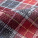 La flanella viene utilizzata per camicie sportive. Si trova in tinta unita, a quadri o scozzese.