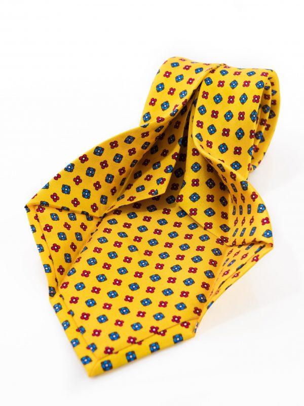 Cravatta Sette Pieghe Marella Giallo Ocra - dettaglio lavorazione artigianale