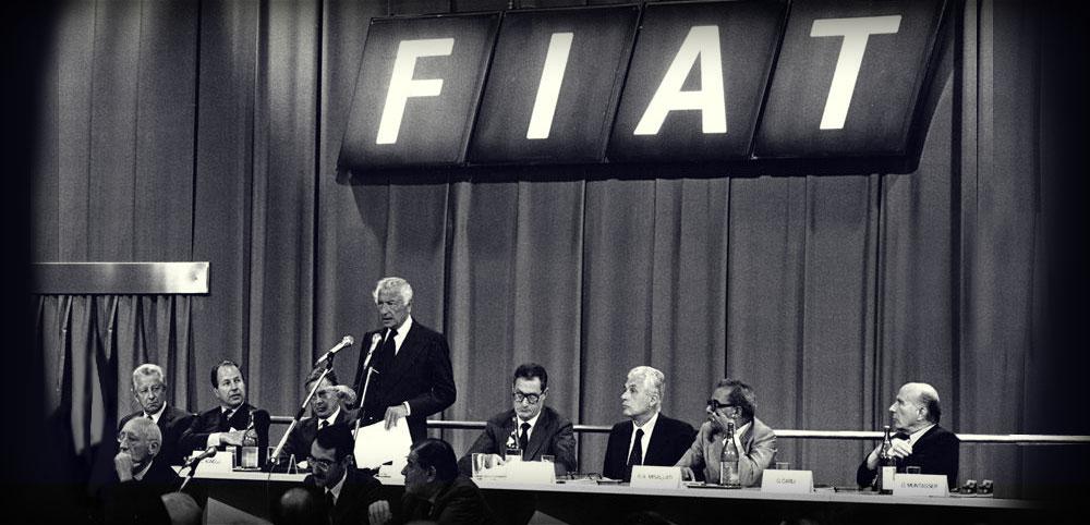 1983. Gianni e Umberto Agnelli con Romiti e Gabetti durante un'assemblea degli azionisti Fiat.
