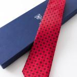 Clara Rosso, cravatta sette pieghe con confezione