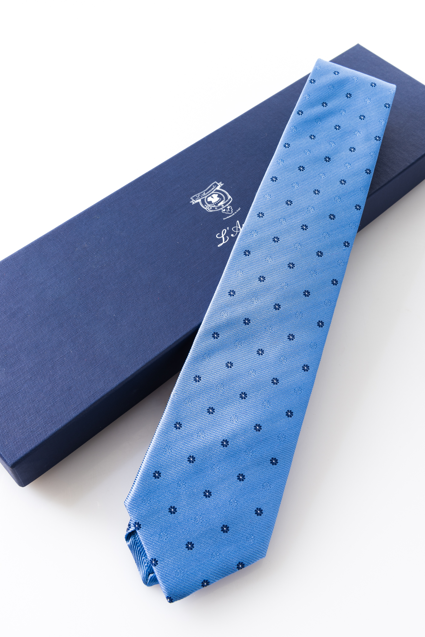 Lined Tie – Urbano Celeste – and its packaging