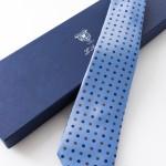 Margherita Celeste, cravatta sette pieghe con confezione