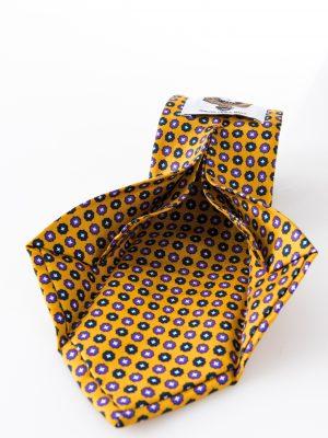 Cravatta Aniceta Giallo Senape - dettaglio lavorazione sette pieghe