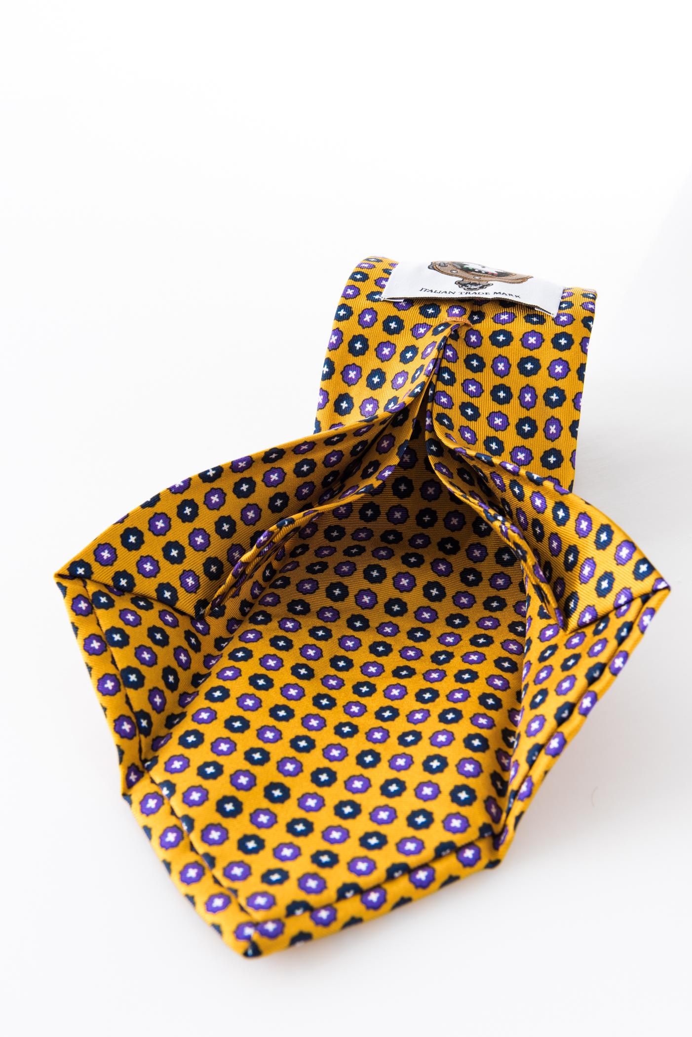 Seven-fold Tie – Aniceta Giallo Senape – seven-fold detail