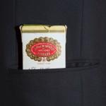 Il primo passo sulle orme dell'eleganza -dettaglio sigaro
