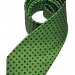 Cravatta E. Marinella. Realizzata a mano in twill di seta, fantasia a microdisegni colore verde.