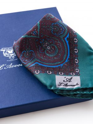 Pochette Mirafiori Verde, dettaglio logo e confezione