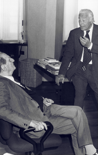 Gianni Agnelli with Norberto Bobbio in La Stampa in 1991 .