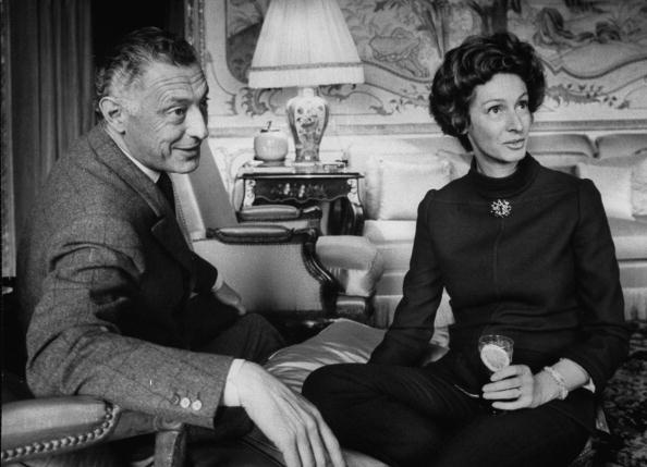 Gianni and Marella Agnelli in a room in the house of Villar Perosa .