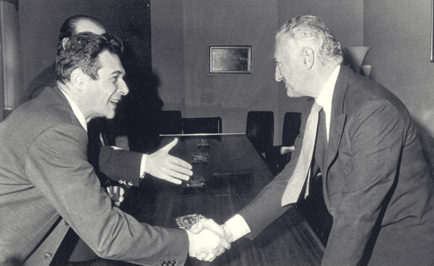 The relationship that was born among us was also personal , as well as political . Gianni Agnelli and Luciano Lama , leader of the CGIL , enshrining the agreement on the single contingency .
