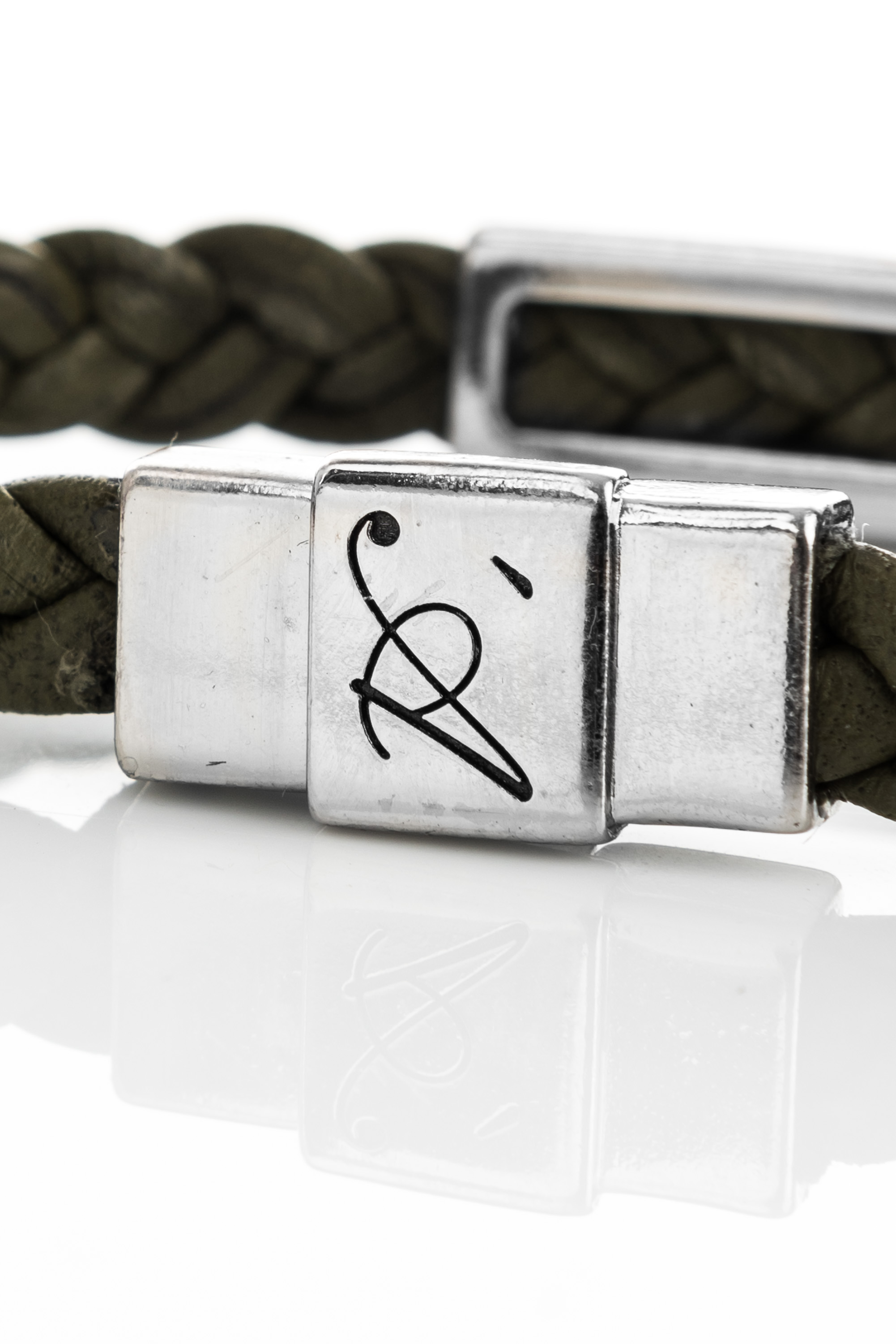 "Vowen green leather bracelet ""Eddy"" – clasp detail"
