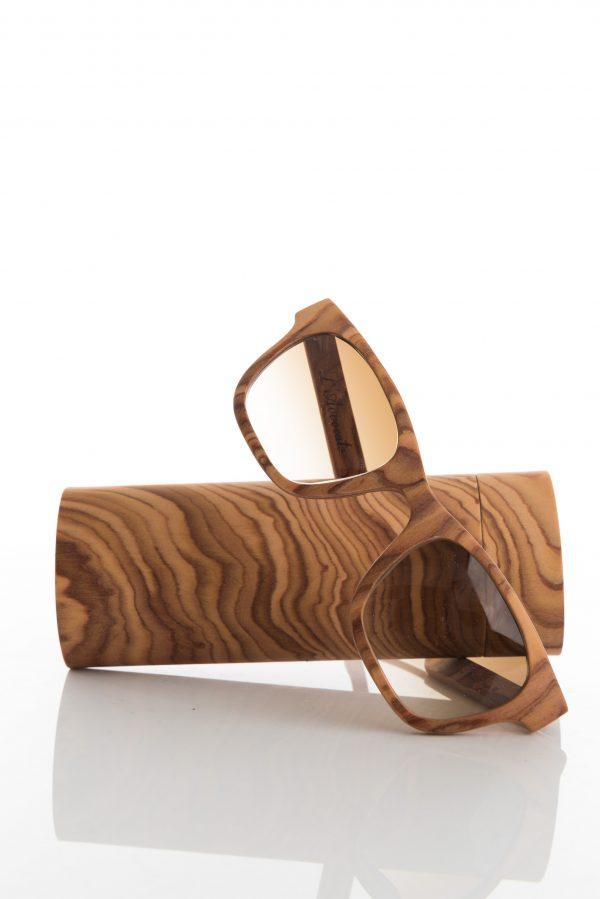 Stealth- Occhiale in legno ed astuccio coordinato