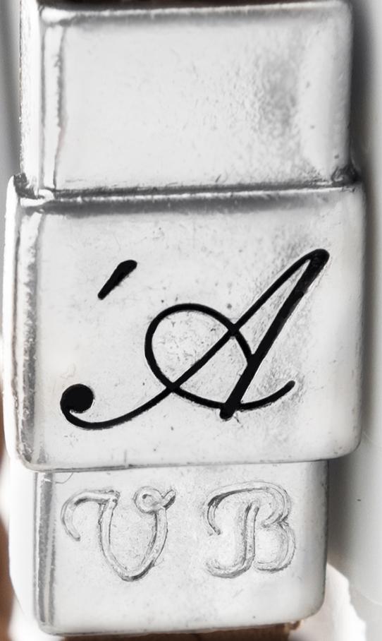 personalizzazione bracciale con incisione