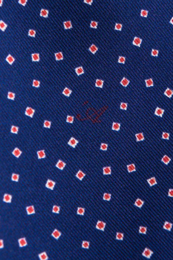Dettaglio Microfantasia Blu Zaffiro con monogramma